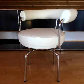 Le Corbusier Drehstuhl LC7. Sofort verfügbar. Reduziert